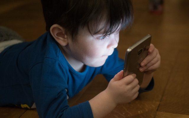 Czy bankowa aplikacja mobilna to dobry prezent na Dzień Dziecka? Bank Pekao odpala PeoPay KIDS, czyli aplikację mobilną dla najmłodszych