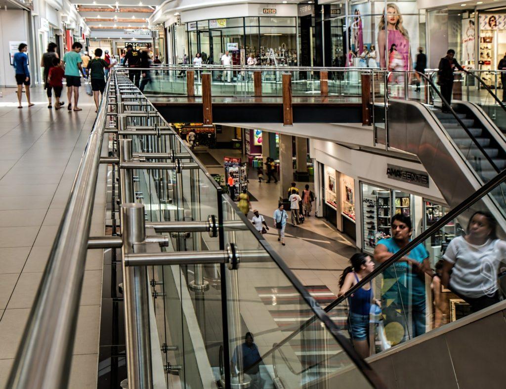 Zimna wojna handlowa. Galerie handlowe nie chcą obniżać czynszów sklepom. A te zrywają umowy: CCC, Reserved, Empik… Kto komu powinien pomóc? Sprawdzamy!