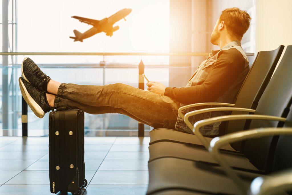 Jak odzyskać pieniądze od linii lotniczej za odwołany lot? Dlaczego chargeback nie zawsze działa? Bank wręcz do niego zniechęcały! Ale teraz zmieniają zdanie