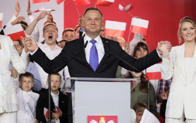 Andrzej Duda wygrał wybory głosami wsi i ludzi po 50-tce. A jaki byłby wynik wyborów, gdyby zamiast ludzi głosowały… ich złotówki w portfelu? Policzyłem!