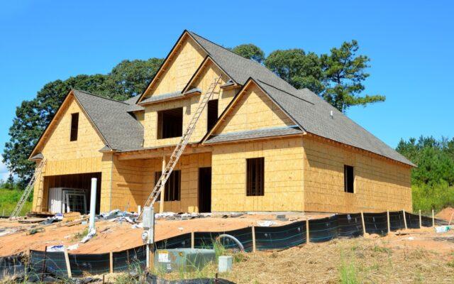 Ile (naprawdę) kosztuje budowa domu? I na czym można zaoszczędzić? Pandemiczny poradnik dla tych, którzy mają już dość małego metrażu
