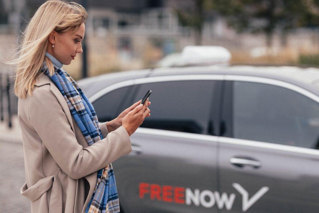 No i stało się: tania taksówka coraz częściej jest jak Yeti. Chcesz zamówić samochód w ofercie Lite we FreeNow? Często to tylko marzenie, bo… skończyły się dopłaty