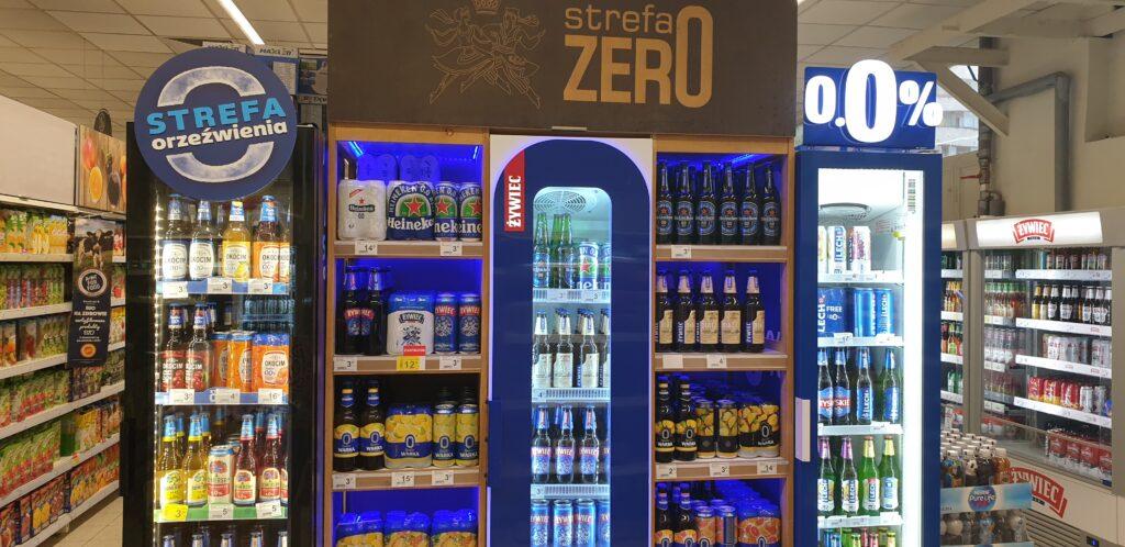 """Już co dwudzieste wypite w Polsce piwo nie zawiera alkoholu. Dlaczego Polacy coraz chętniej sięgają po """"złoty trunek"""" bez procentów?"""