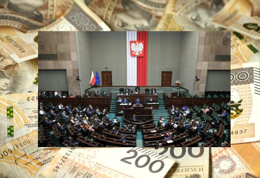 Zarobki posłów ostro w górę. Premier i prezydent też dostaną podwyżki pensji. Skandal? Rozrzutność? Ile powinniśmy płacić politykom za rządzenie Polską? Liczę!