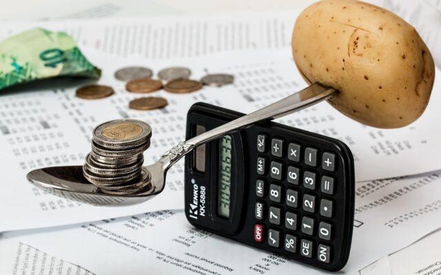 Czy zarządzanie budżetem domowym musi być trudne? Pomagam to zorganizować w praktyce! Pobierz wygodne narzędzie do budżetowania!