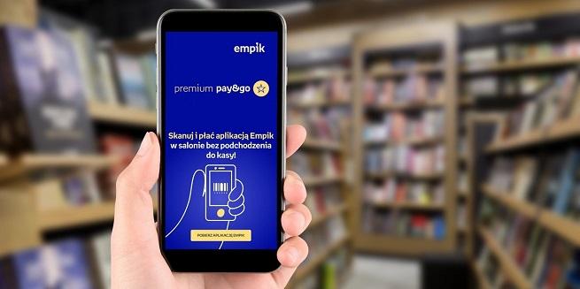 Skanujesz zakupy smartfonem i wychodzisz ze sklepu, a rachunek nalicza (i ściąga się) sam. Takie płatności uruchomiły Rossmann i Empik. Czy warto tak kupować?