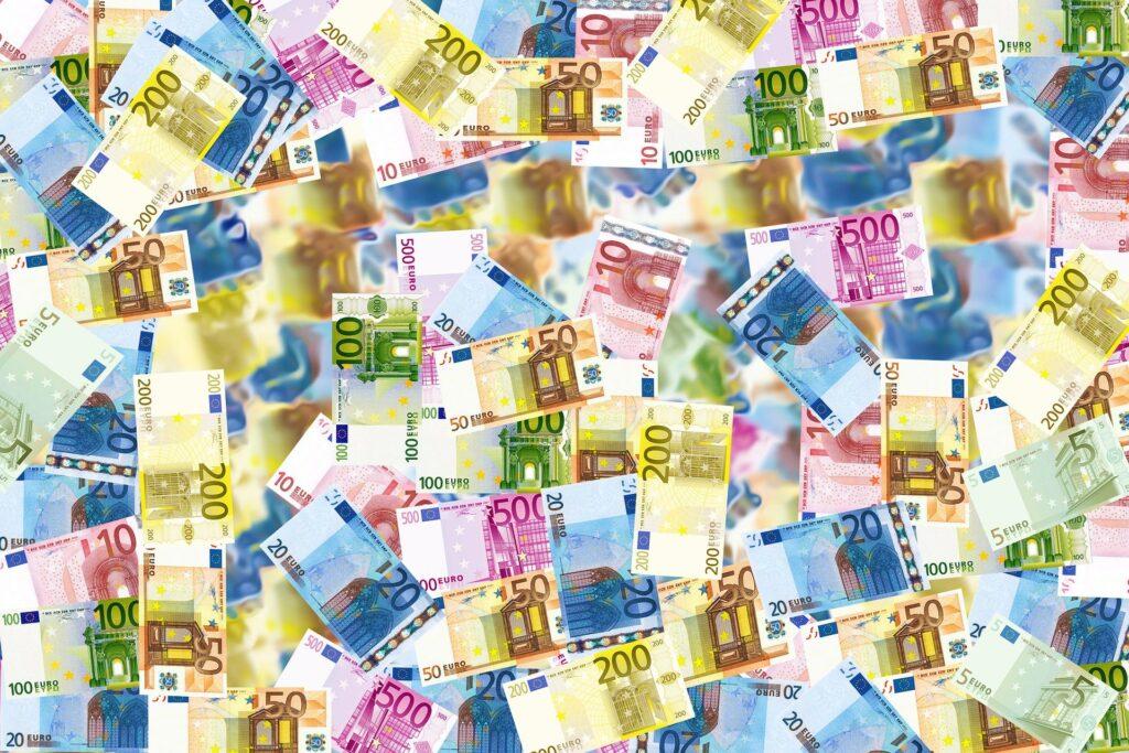 Kiedy wreszcie będziemy mieli niemieckie pensje? Oni spróbowali to oszacować. Gdzie jesteśmy w pogoni za bogatym Zachodem? I czy biegniemy wystarczająco szybko?