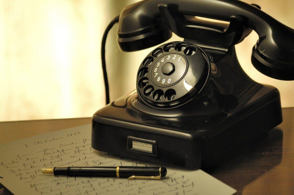 Jak negocjować abonament telefoniczny i płacić mniej co miesiąc? Oto pięć sprawdzonych porad, które pozwolą Wam obniżyć rachunek telefoniczny. Bez straty na jakości!