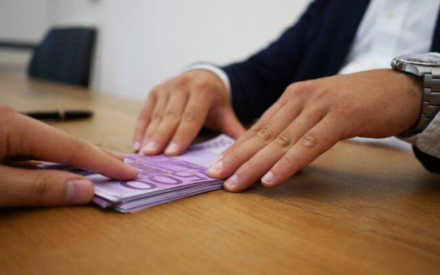 Masz nieużywane (lub rzadko używane) produkty bankowe? Konto, debet, kartę kredytową? Sprawdź, ile możesz zarobić na ich… zamknięciu!