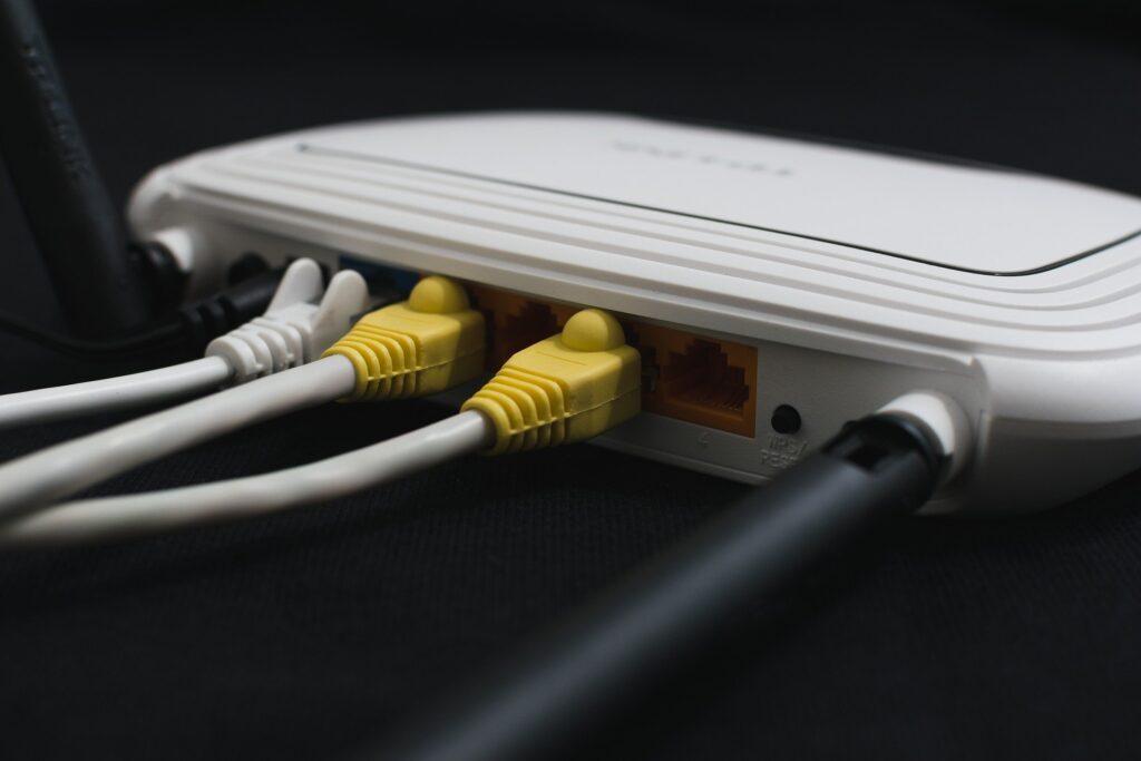 W UPC można kupić dostęp do internetu tylko w pakiecie z telewizją. To ponoć usługa dodatkowa. Skoro tak, to dlaczego kosztuje tyle, co podstawowa?