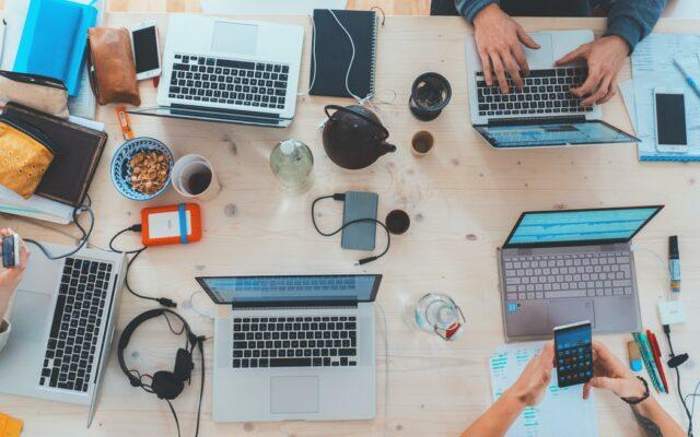 Cyfryzacja firmy: koszt czy… źródło przychodów? Ile można zarobić na uszczęśliwieniu klienta-Samcika (i innych klientów też)?