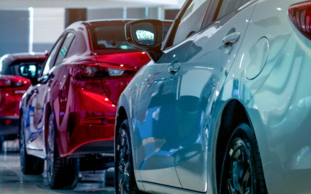 Bez obejrzenia auta, bez jazdy testowej. Nad Wisłę zawitał nowy trend: kupowanie samochodów całkowicie przez internet. Ale czy my jesteśmy na to gotowi?
