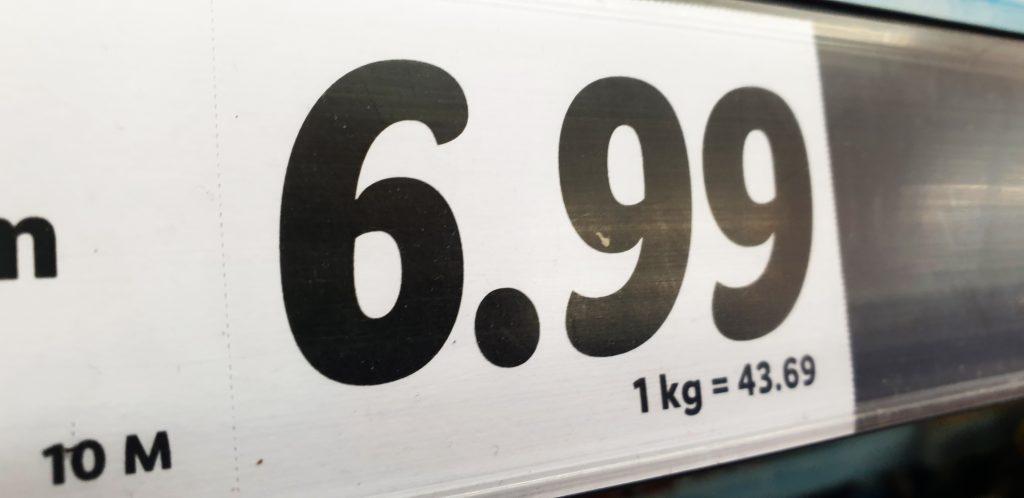 """Magiczna """"dziewiątka"""", cena kontrastowa… Jak sklepy manipulują cenami i nami? Oto strategie cenowe sklepów, które warto znać, żeby na zakupach nie przepłacić"""
