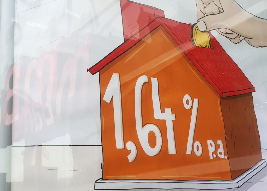 Kredyty hipoteczne ze stałym oprocentowaniem już w ofercie wszystkich banków. Ile trzeba dopłacić za 5 lat spokoju w spłacie kredytu?