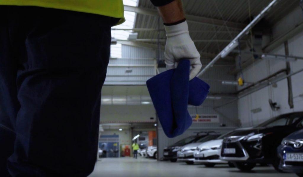 Nie tylko komisy, dealerzy i banki. OLX też chce ułatwiać handel samochodami używanymi. Prześwietlam OtoMoto Klik i… pierwszy cyfrowy paszport samochodowy