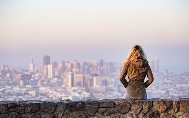 Weekend dla dwojga na bogato lub po kosztach. W którym ze znanych miast najmniej wydamy na randkę? Ile może kosztować taki wypad?