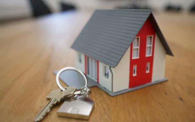 Księga wieczysta jest, wpis hipoteki jest, a bank… nie chce obniżyć marży kredytu hipotecznego. Wzmianka, czyli pretekst