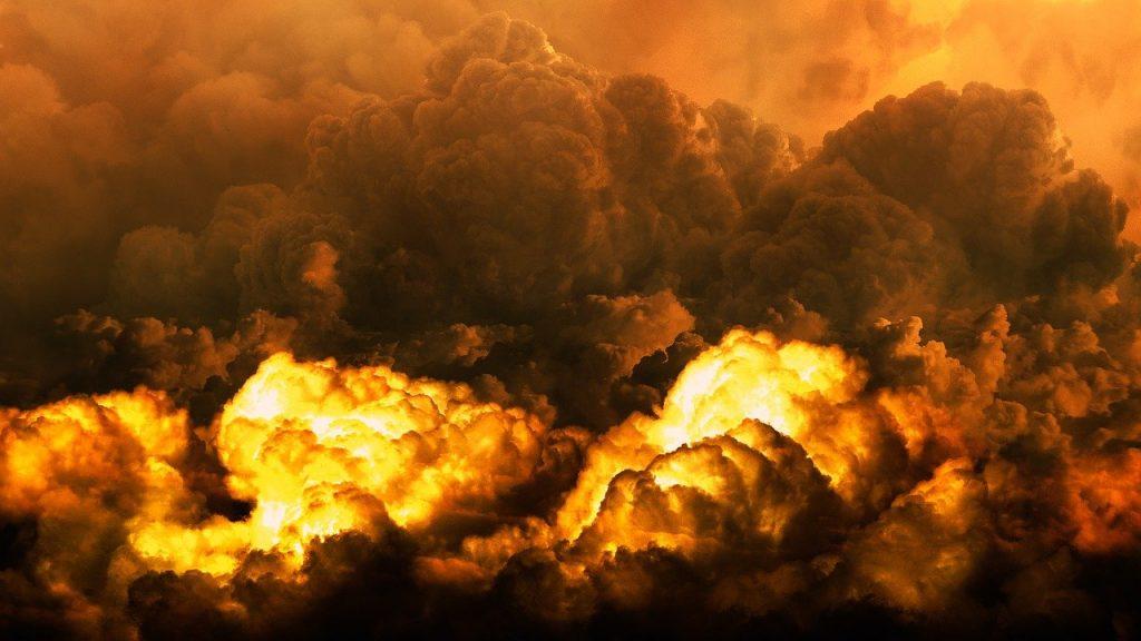 """Nadciągają czterej """"jeźdźcy energetycznej apokalipsy"""". Jak bardzo odczujemy w portfelach podwyżki cen prądu, ciepła, gazu i benzyny? Oto przyszłoroczny krajobraz"""
