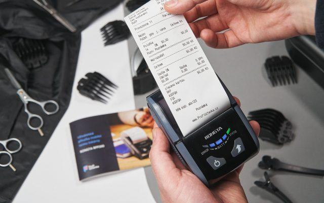 Płacenie przez internet – kartą i smartfonem: ile osób przez pandemię definitywnie porzuciło gotówkę? A do tego dwa postpandemiczne trendy w płaceniu