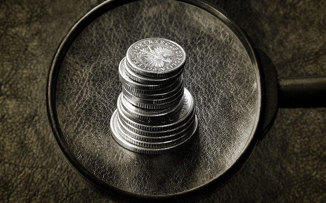 Zwrot prowizji przy wcześniejszej spłacie kredytu. Kolejny bank ugiął się pod presją UOKiK. Zamiast płacić kary rozliczy się z klientami